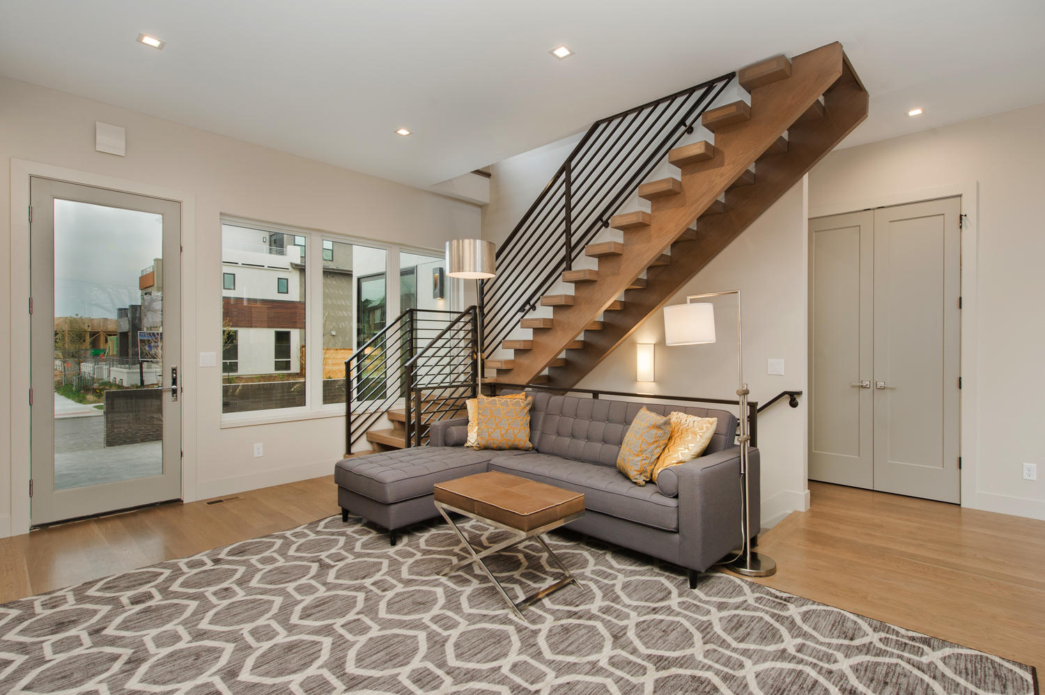 6906 E Archer Place-large-004-48-Great Room Has Architectural-1500x999-72dpi