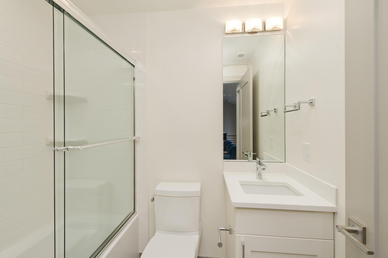 6906 E Archer Place-large-027-71-Full Bath Serves Bedroom Two-1500x999-72dpi