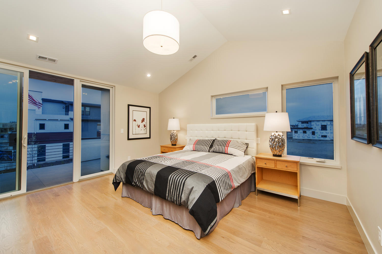 6906 E Archer Place-large-030-74-Second Floor Master Suite Has-1500x999-72dpi