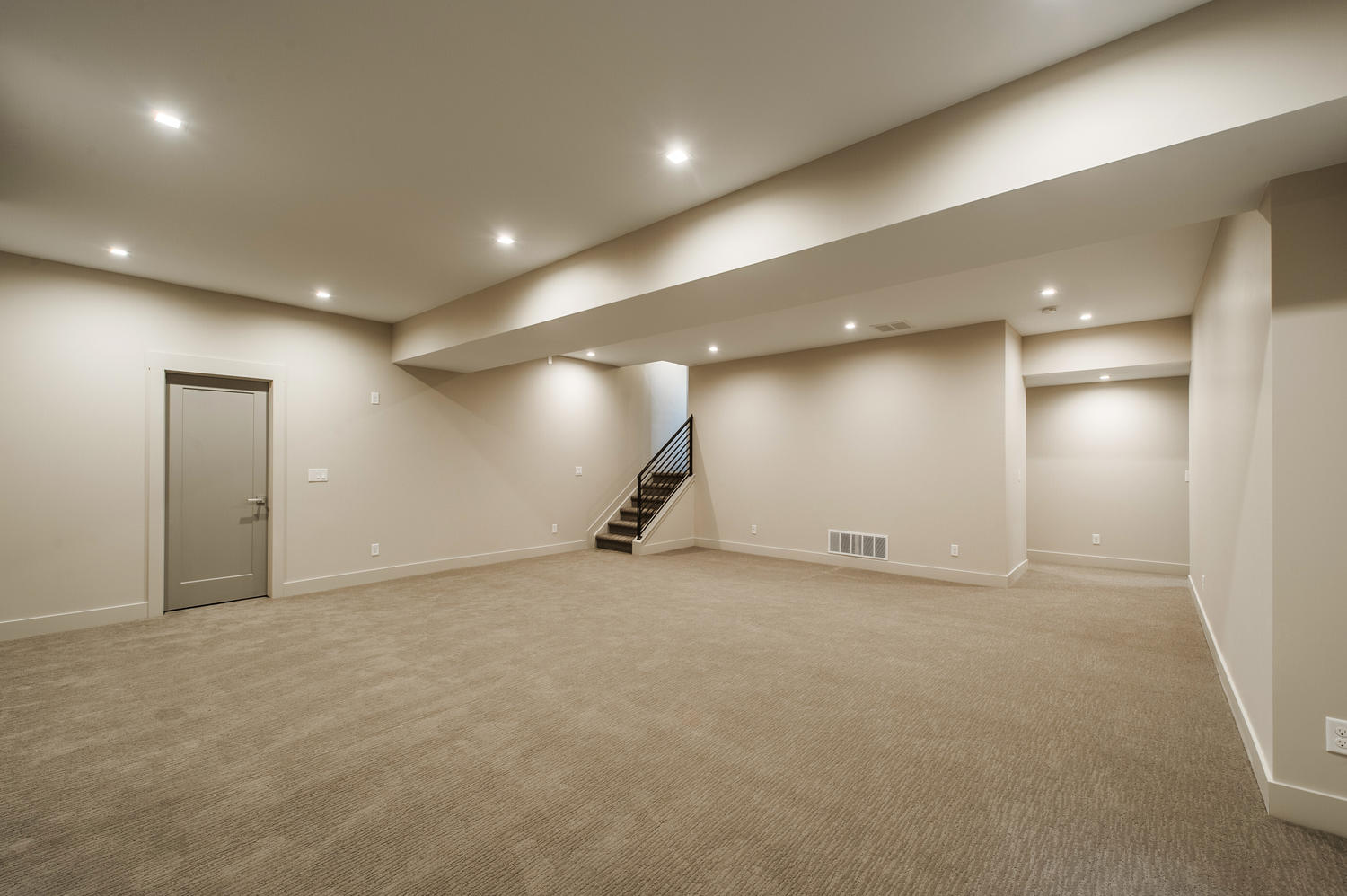 6906 E Archer Place-large-037-82-High Ceilings Highlight Huge-1500x999-72dpi