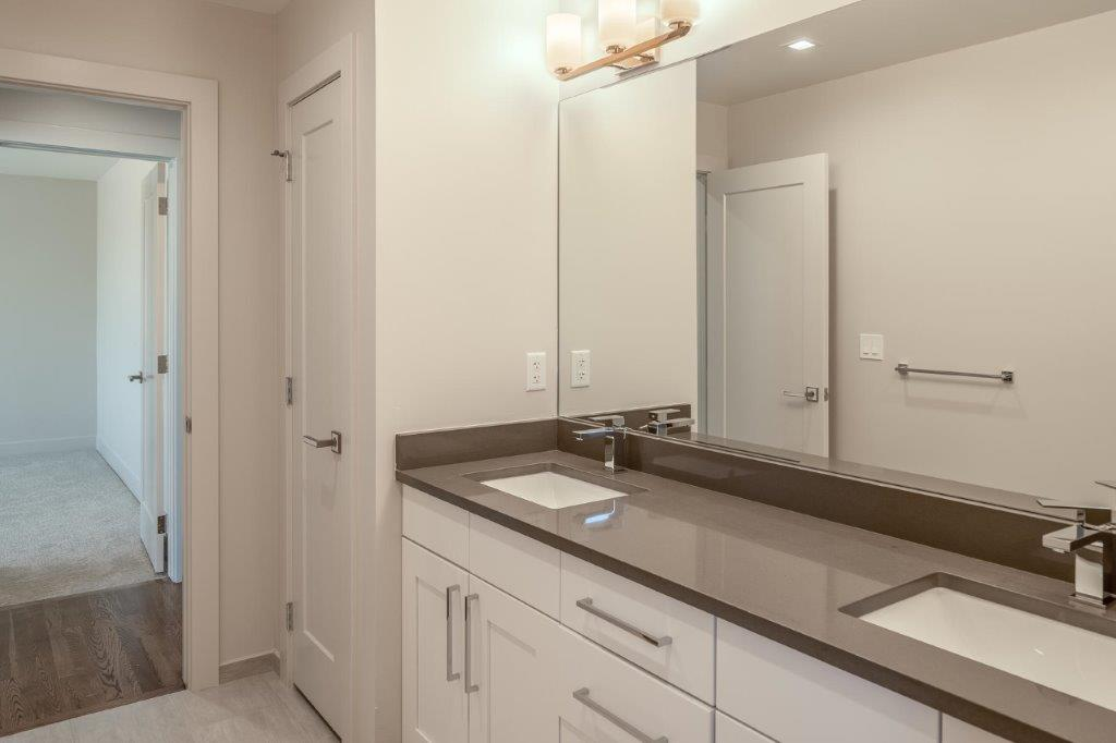 6956 E Archer Place-MLS_Size-033-30-2nd Floor Hall Bath For-1800x1200-72dpi