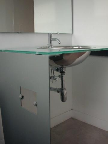 glasstop-bathroom